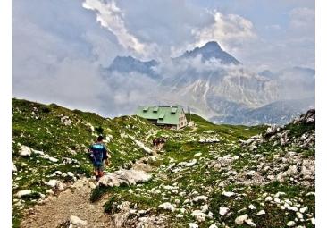 Ausrüstung für Alpenüberquerungen
